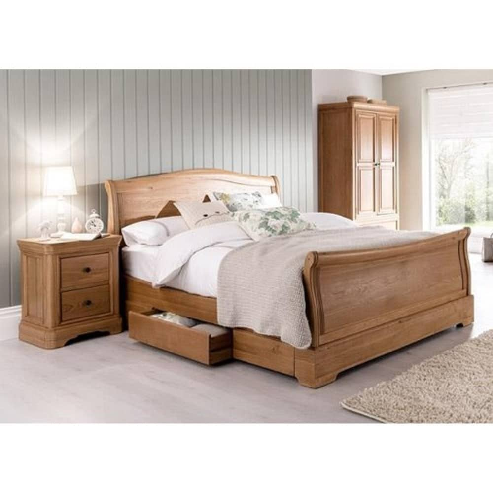 Carmen Oak Bedroom Range